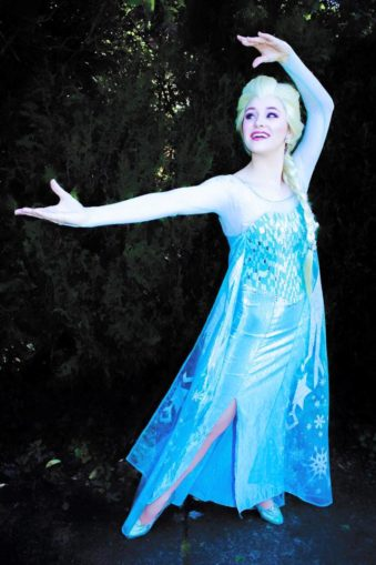 Hire Elsa for a Birthday Party