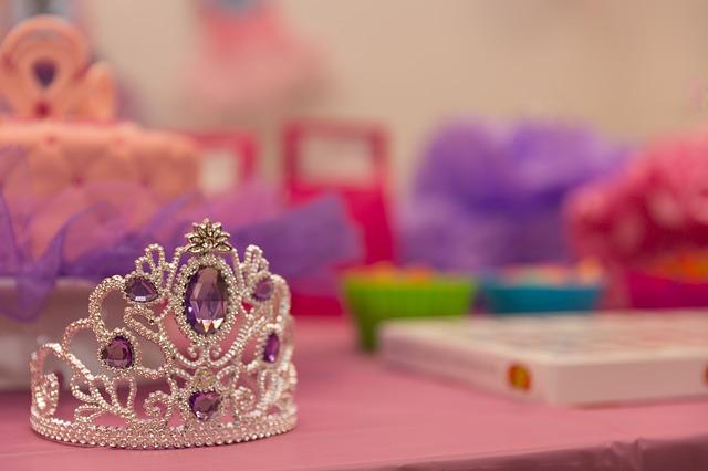 crown-2526570_640